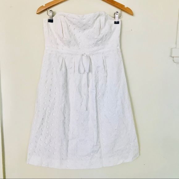 Lilly Pulitzer Dresses & Skirts - Lilly Pulitzer White Eyelet Strapless Dress